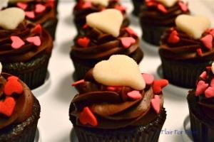 Valentine cupcake white heart 1